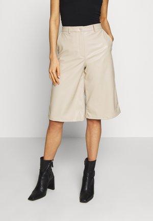 SANNA - Shorts - beige