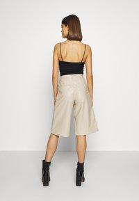 Weekday - SANNA - Shorts - beige - 2