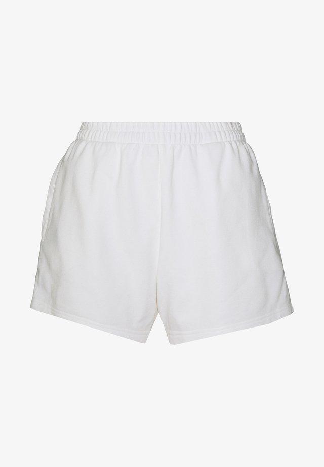 KAMA SHORTS - Tracksuit bottoms - white