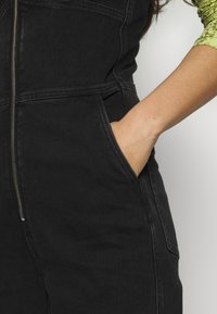Weekday - AUGUSTA JUMPSUIT - Overal - tuned black - 4