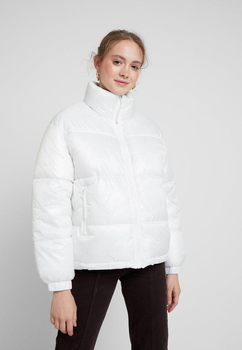 Weekday - BENITA PUFFER JACKET - Zimní bunda - white