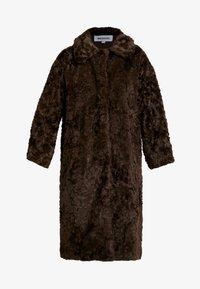 Weekday - CAMILLE COAT - Zimní kabát - dark brown - 4