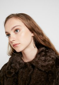 Weekday - CAMILLE COAT - Zimní kabát - dark brown - 3