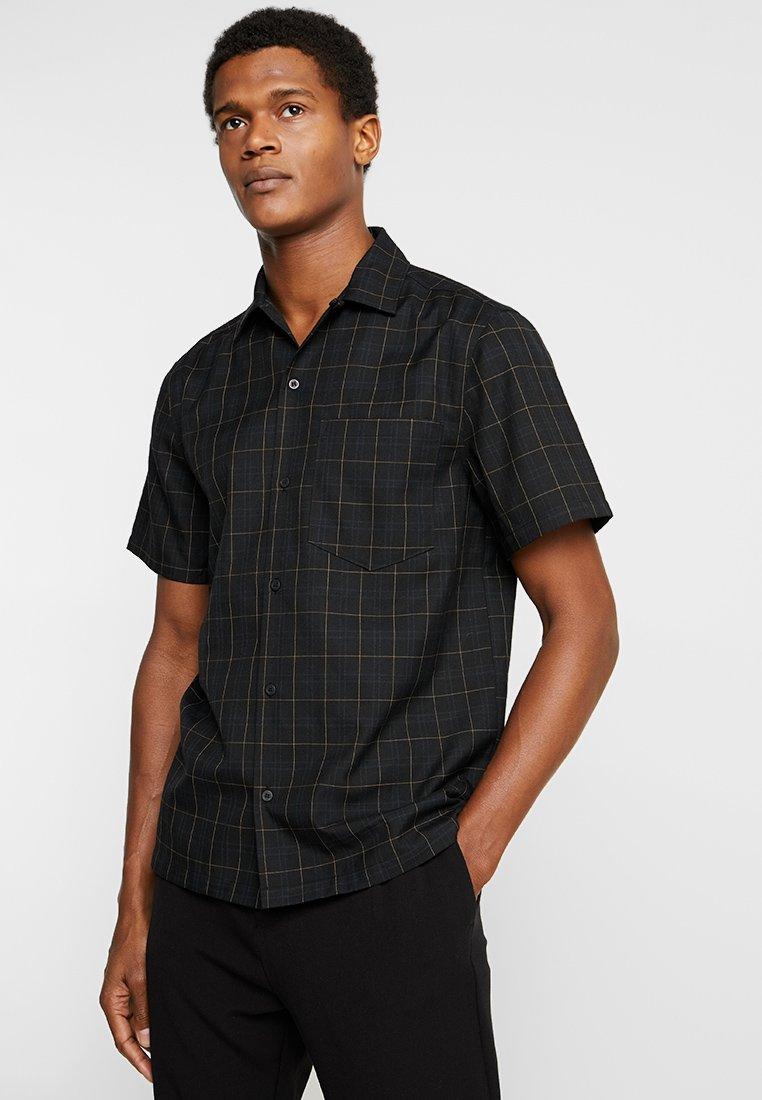 Weekday - OSVALD CHECKED SHIRT - Shirt - black