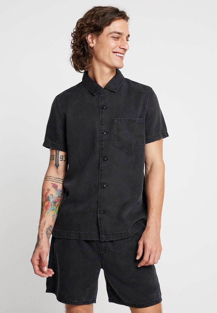 Weekday - DUO - Shirt - tuned black