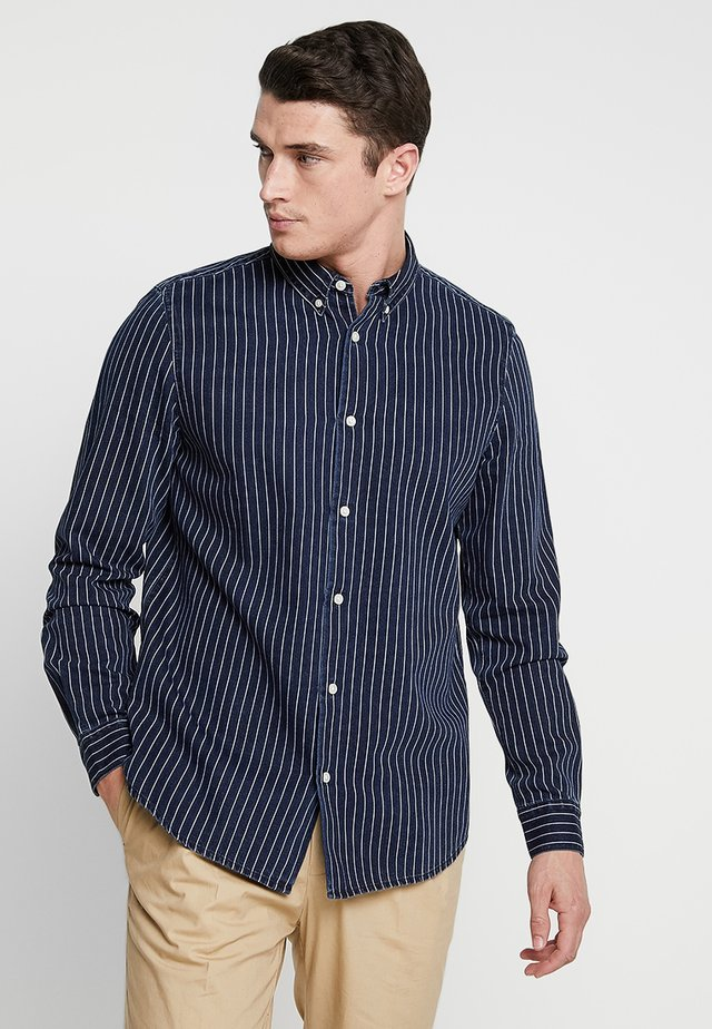 HAGER STRIPED - Skjorte - blue denim