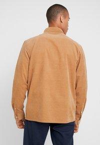 Weekday - WISE - Skjorte - beige - 2