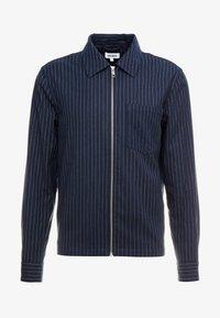 Weekday - AHMED PINSTRIPE ZIP  - Camicia - dark blue - 4