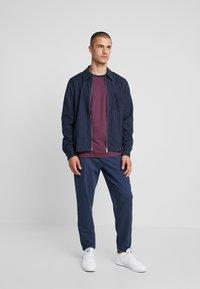 Weekday - AHMED PINSTRIPE ZIP  - Camicia - dark blue - 1