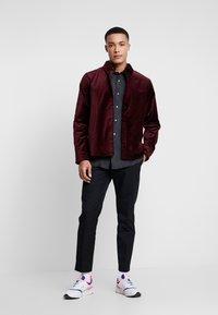 Weekday - LOA  SHIRT - Camisa - burgundy - 1