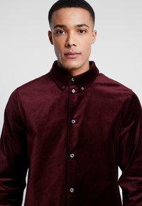 Weekday - LOA  SHIRT - Camisa - burgundy - 5