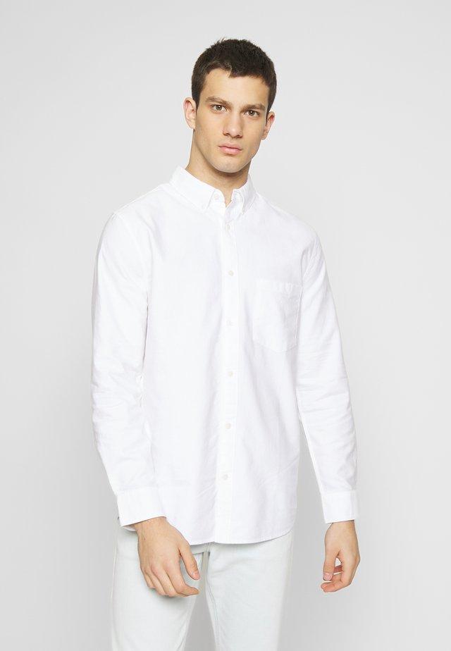 HENNING OXFORD SHIRT - Skjorte - white