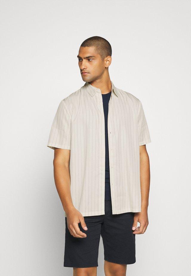 KIAN  - Skjorter - white