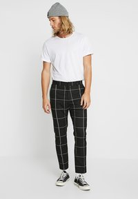 Weekday - CHECKED TROUSERS - Kalhoty - black/white - 1