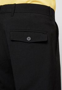 Weekday - CONRAD TROUSERS - Tygbyxor - black - 3