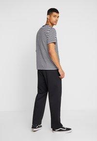 Weekday - IAN  - Pantalon de survêtement - black - 2