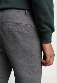 Weekday - ARVID TROUSERS - Trousers - dark grey - 5
