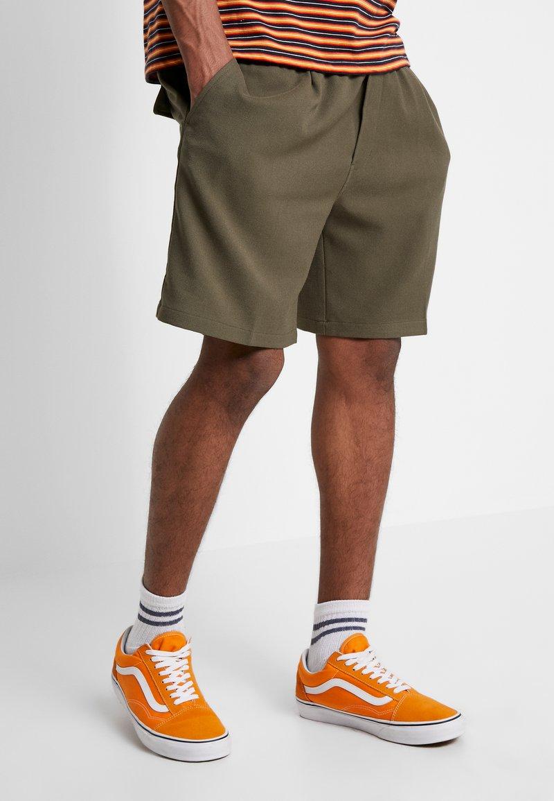 Weekday - DOMINIC - Shorts - khaki green