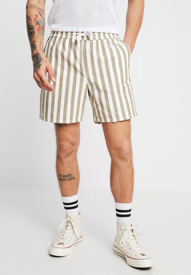 Weekday - OLSEN STRIPE - Shorts - olive/white