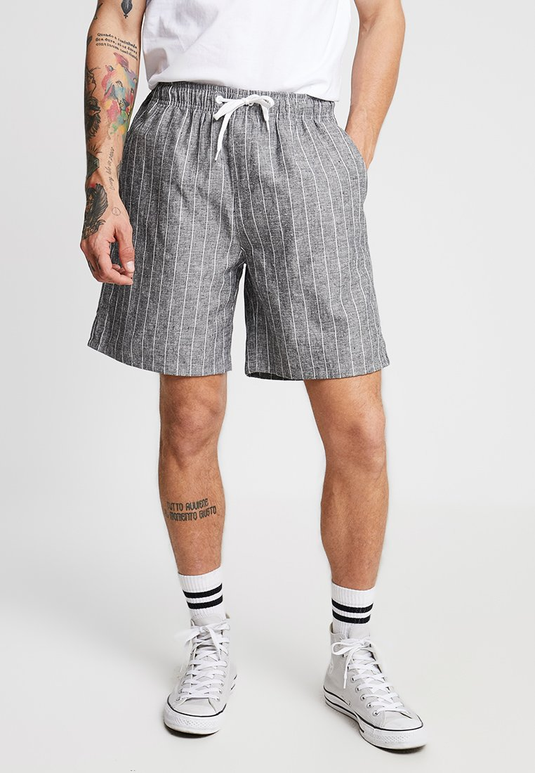 Weekday - PILLAR STRIPED - Shorts - grey melange/white