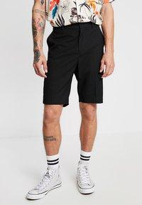 Weekday - NIKLAS SUIT - Shorts - black - 0