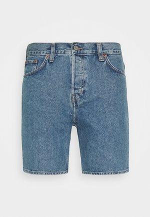 VACANT ARIZONA - Denim shorts - blue