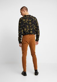Weekday - CONE CANION - Jeans slim fit - brown - 2