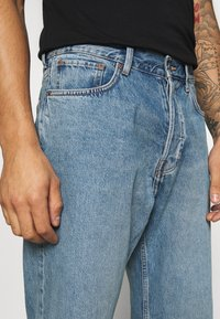 Weekday - SPACE SEVEN - Relaxed fit jeans - seven blue - 4