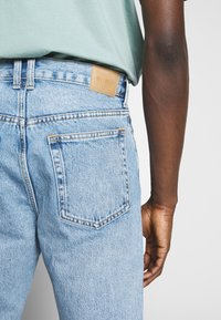 Weekday - BARREL PEN - Relaxed fit jeans - blue - 3