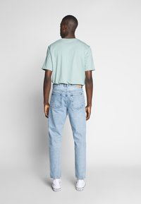 Weekday - BARREL PEN - Relaxed fit jeans - blue - 2