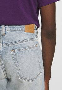 Weekday - BARREL PEN - Relaxed fit jeans - morning blue - 4
