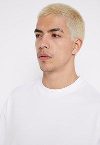 Weekday - GREAT - T-shirts - white - 4