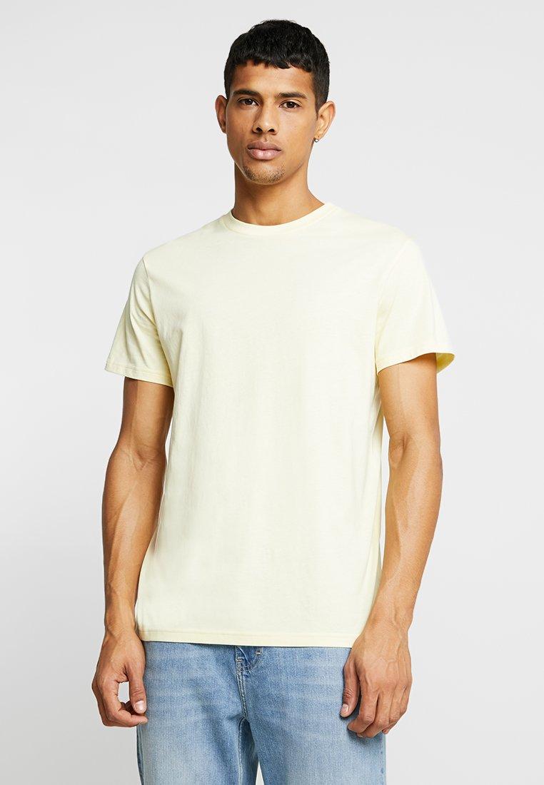 Weekday - ALAN - T-shirt basique - yellow light