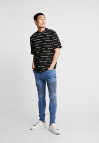 Weekday - LEN SAD LINES - T-Shirt print - black - 1