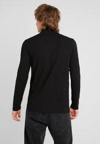 Weekday - TED TURTLENECK LONG SLEEVE - Long sleeved top - black - 2