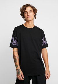 Weekday - FRANK SLEEVE FLAME - Basic T-shirt - black - 0