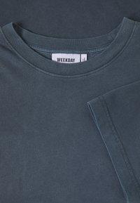 Weekday - FRANK - Basic T-shirt - dark blue - 2