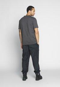 Weekday - FRANK - T-shirt basic - black - 2
