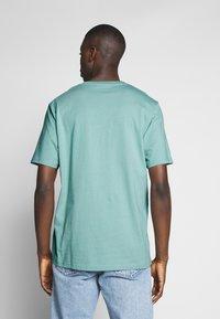 Weekday - 2 PACK FRANK - Basic T-shirt - black/turqoiuse - 4