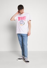Weekday - BILLY SPORTMANSHIP - T-shirt print - white - 1
