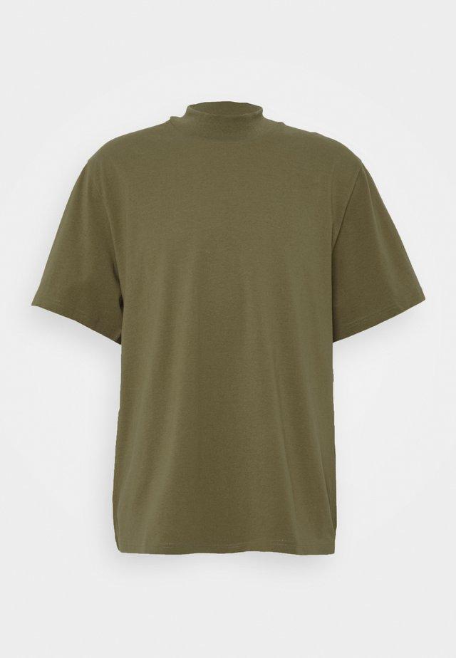 URBAN MOCKNECK - Basic T-shirt - dark green
