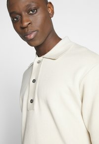 Weekday - BELDON SHORTSLEEVE - Polo shirt - beige - 4