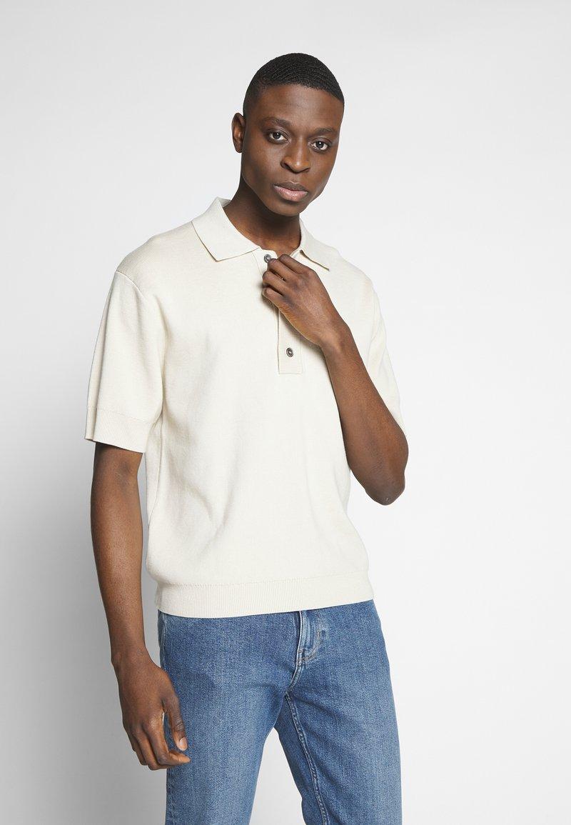Weekday - BELDON SHORTSLEEVE - Polo shirt - beige