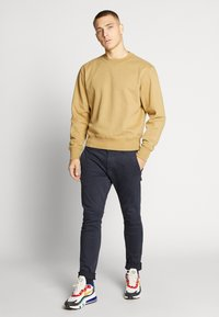 Weekday - ALBIN  - Sweatshirt - dark sand - 1