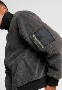 Weekday - DWIGHT JACKET - Lehká bunda - dark grey - 4