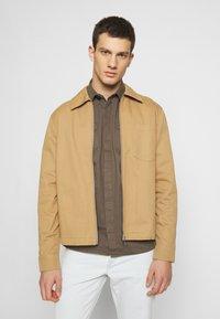 Weekday - AHMED ZIPPED - Lehká bunda - beige - 0