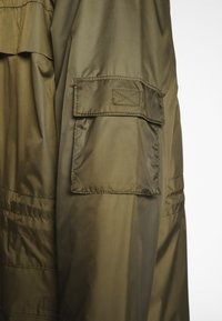Weekday - FLORIAN WIND - Impermeable - green - 4