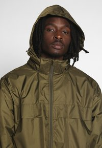 Weekday - FLORIAN WIND - Impermeable - green - 5