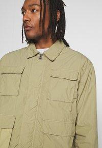Weekday - NATE JACKET - Lehká bunda - green - 4