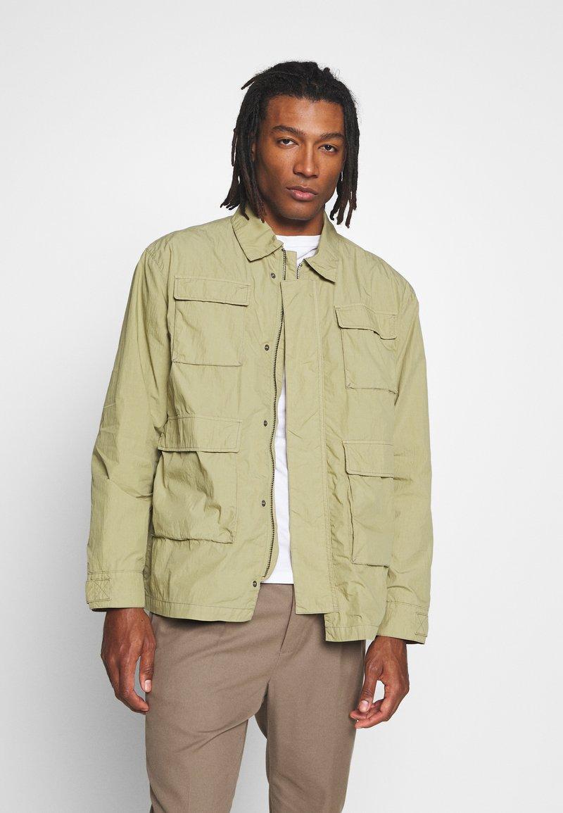 Weekday - NATE JACKET - Lehká bunda - green